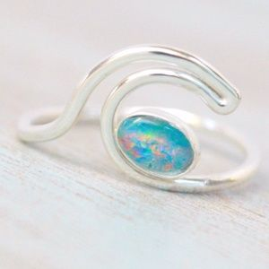 Jewelry - Silver Ocean Wave Ring- Size 7